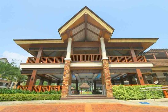 The grand clubhouse at One Oasis Cebu.