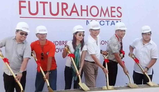 Groundbreaking. Lapu-Lapu City tourism officer Hembler Mendoza (2nd from right) stands for the mayor in officiating the groundbreaking of Futura Homes Mactan with (from left) FLI project development officer Archie M. Igot, barangay councilor Mateo Bonghanoy, branch operations head Aubrey Ortega-Lascuna, Eng'r. Allan Go Alfon, FLI vice president and area general manager, and contractor Eng'r. Mark Anthony Bulusan.