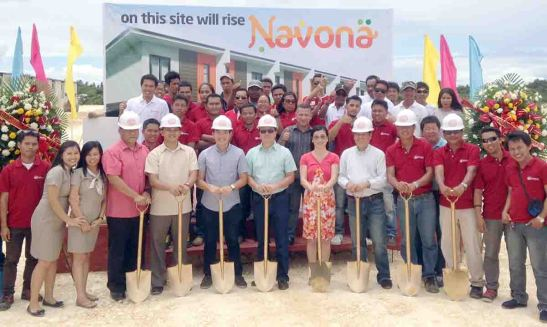 NAVONA. JVC CEO Richard D. Lim (center left) leads the groundbreaking of Navona with (from left with shovel) Guy Santos Gabison III, HR manager; Reilan Micollar, sales and marketing supervisor; Engr. Raymond Wilson O. Lim, construction manager, President and CEO Richard D. Lim; Lucille D. Parcon, finance manager; Engr. Allan Mendoza, project manager; Renato Pobadora, construction head; and Teddy Bautista, project-in-charge.