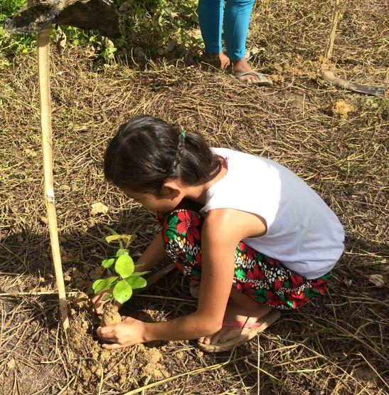 Pinamungahan tree planting (2)-2